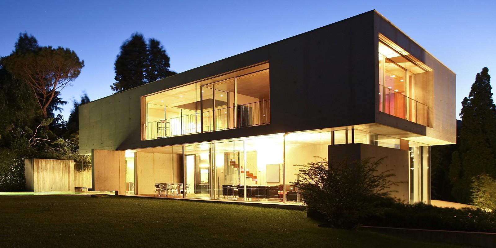 slide03_budynek_okna_aluminiowe_POZBUD_1